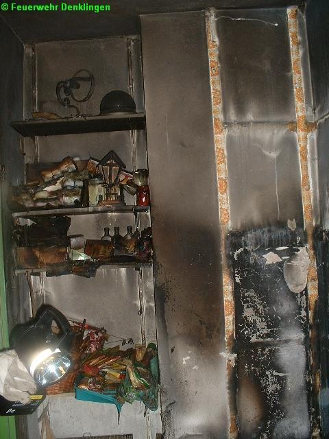(c) Feuerwehr Denklingen: 21.06.07 - 06:45 Uhr - Zimmerbrand