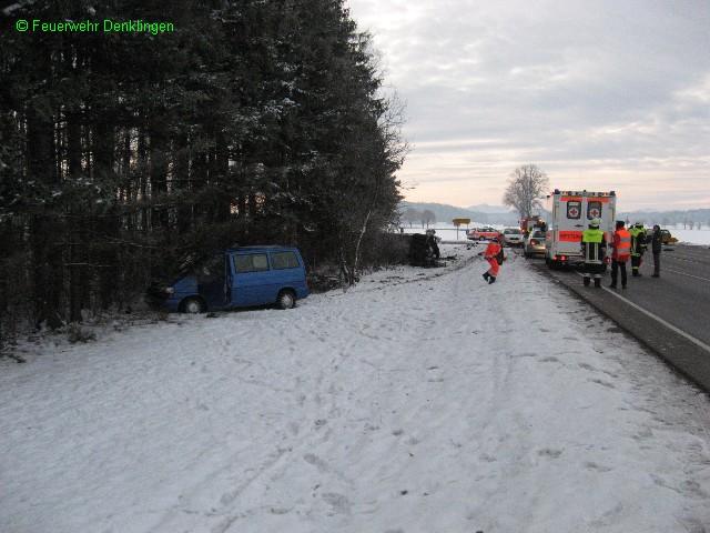 (c) Feuerwehr Denklingen: 20.11.07 - 07:20 Uhr - Verkehrsunfall B17