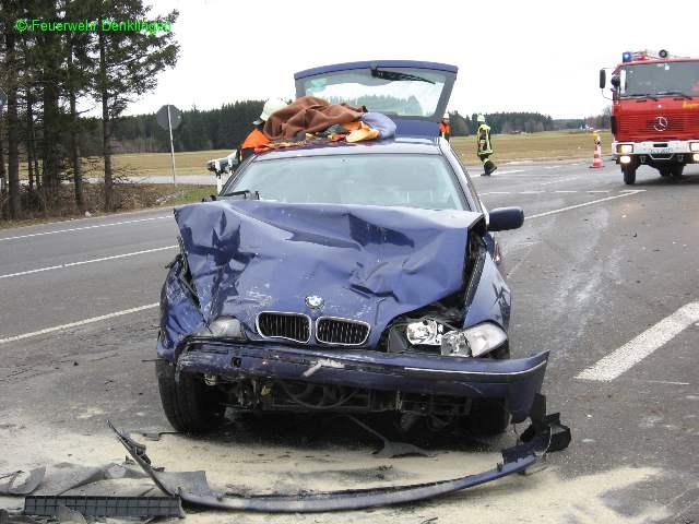 (c) Feuerwehr Denklingen: 12.01.08 - 12:53 Uhr - Verkehrsunfall Person eingeklemmt