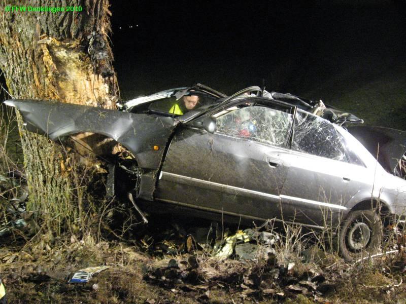 (c) Feuerwehr Denklingen: 22.03.2010 - 02:52 Uhr - Verkehrsunfall zw. Denklingen, Dienhausen