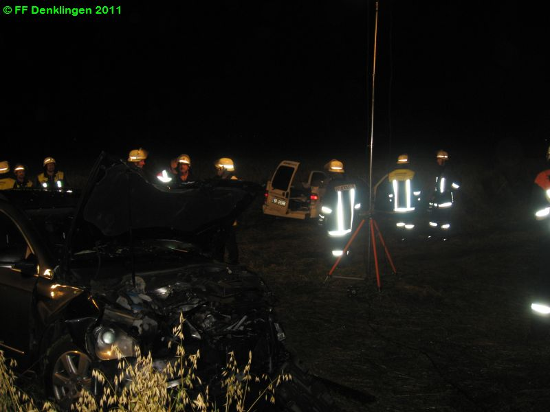 (c) Feuerwehr Denklingen: 23.07.2011 - 23:25 Uhr - Verkehrsunfall, Leeder