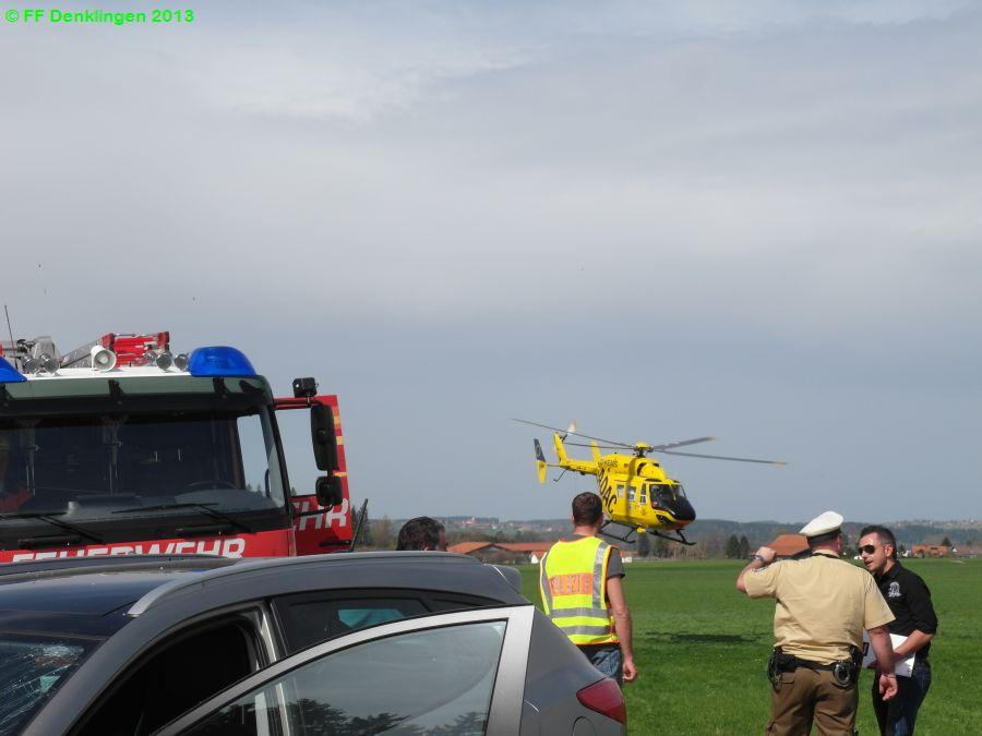 (c) Feuerwehr Denklingen: 26.04.2013 - 15:00 Uhr - Verkehrsunfall, Person eingeklemmt