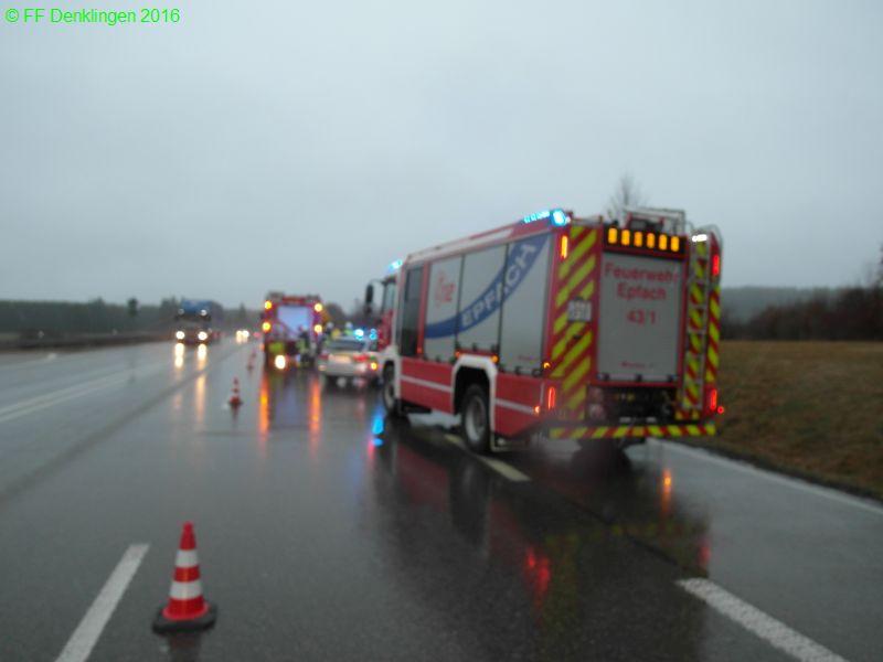 (c) Feuerwehr Denklingen: 03.02.2016 - 07:45 Uhr - Verkehrsunfall, B17