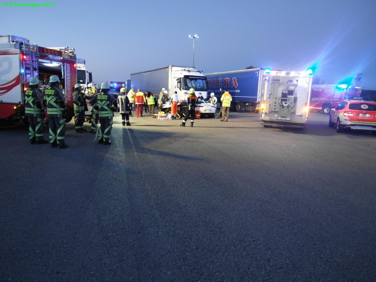 (c) Feuerwehr Denklingen: 15.10.2017 - 07:01 Uhr - Verkehrsunfall, Denklingen