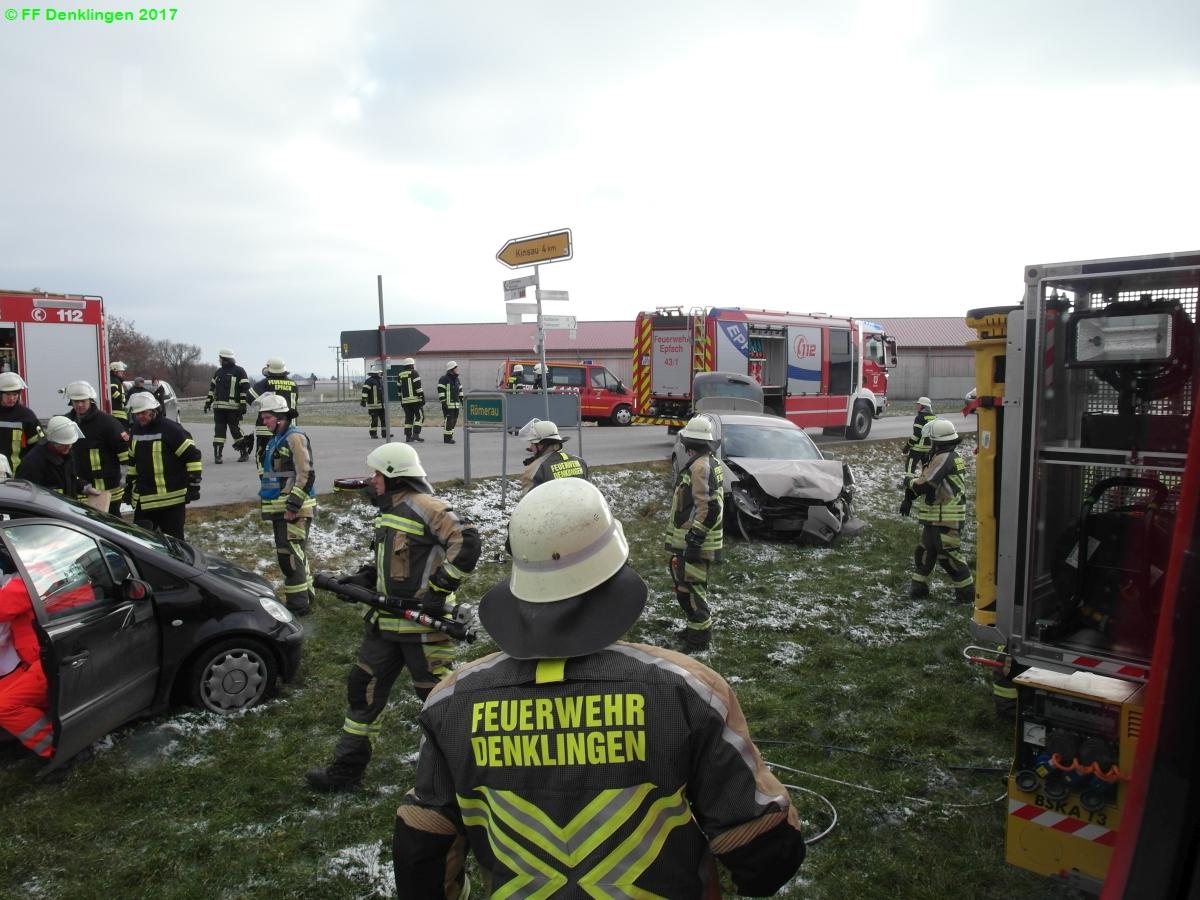 (c) Feuerwehr Denklingen: 03.12.2017 - 13:27 Uhr - Verkehrsunfall, Epfach