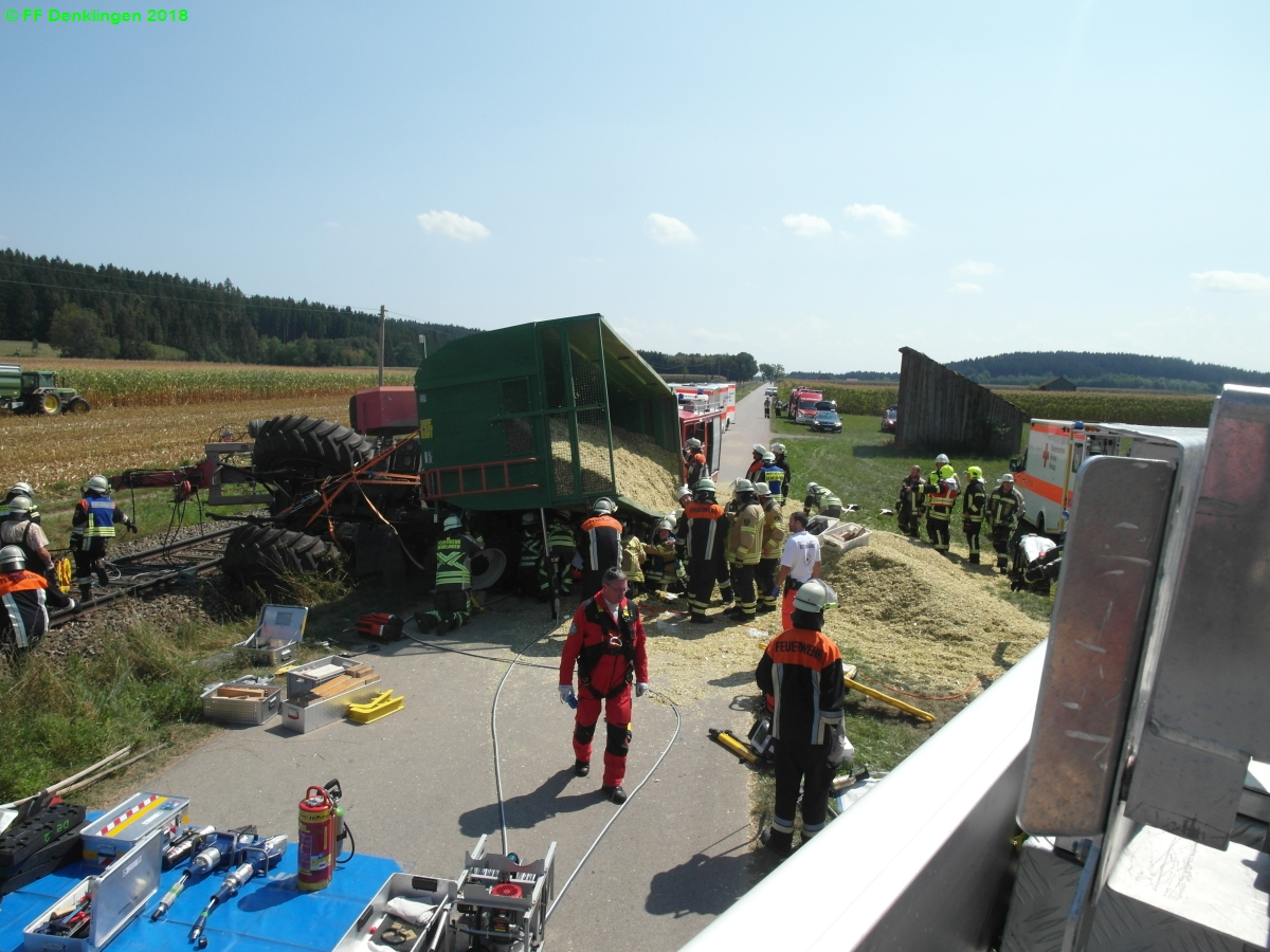 (c) Feuerwehr Denklingen: 21.08.2018 - 13:04 Uhr - VU Traktor, Denklingen