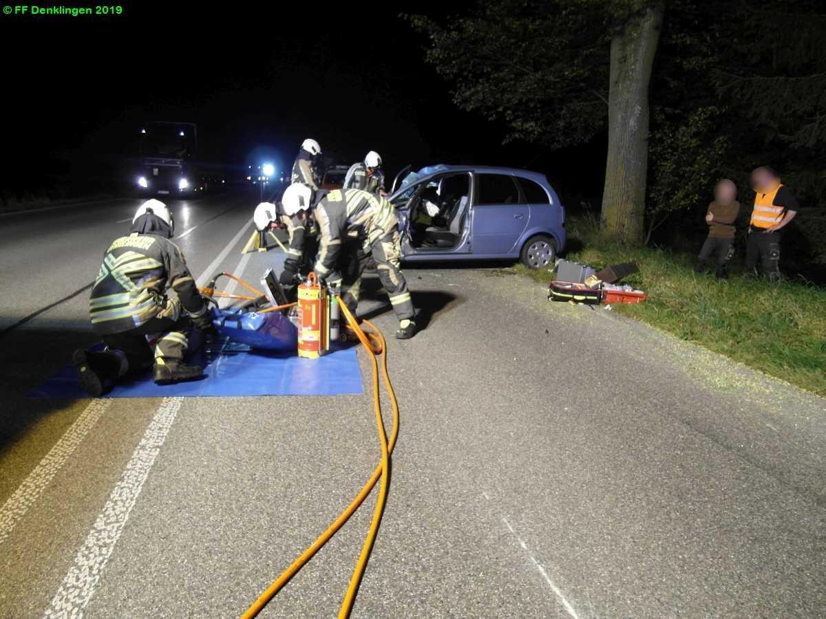 (c) Feuerwehr Denklingen: 30.09.2019 - 19:54 Uhr - Verkehrsunfall, B17