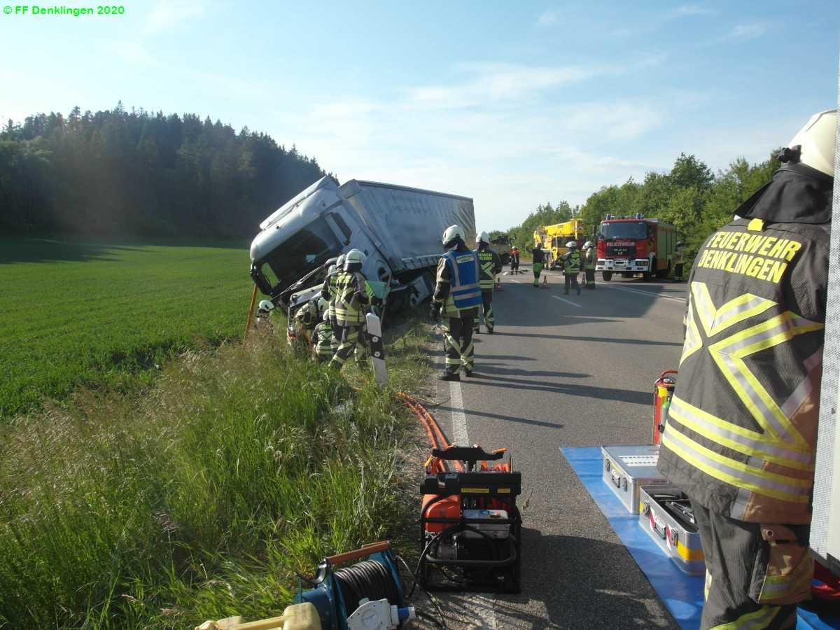 (c) Feuerwehr Denklingen: 03.06.2020 - 15:21 Uhr - Verkehrsunfall schwer, B17