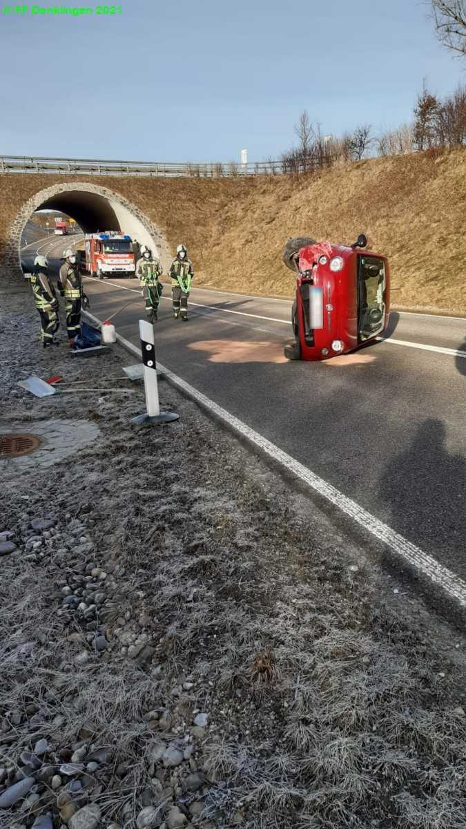 (c) Feuerwehr Denklingen: 18.02.2021 - 08:55 Uhr - Verkehrsunfall, Denklingen