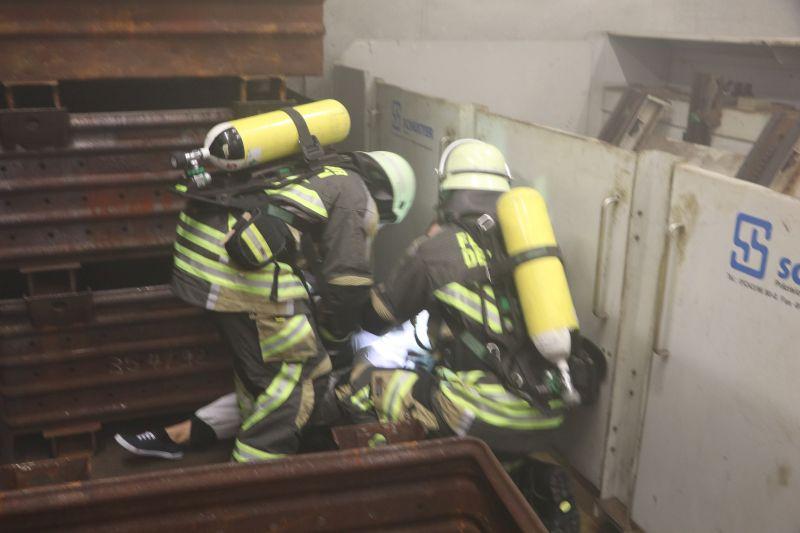 (c) Feuerwehr Denklingen: 08.10.16 - Großübung Firma Hirschvogel