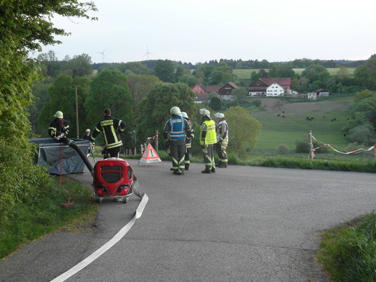 (c) Feuerwehr Denklingen: 07.05.18 - Objektübung Landwirtschaft